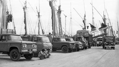 Truk Tua di Pelabuhan Sunda Kelapa